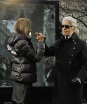 Karl-lagerfeld-high-five