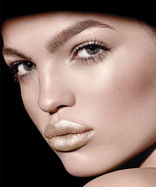 frost-lipsticks-opener