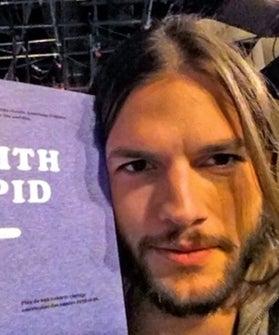 Ashton-KutcherI'm-With-Stupid-T-shirt