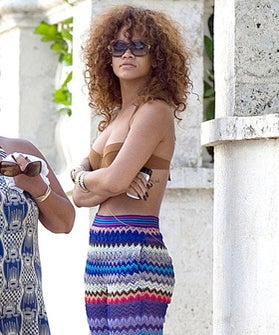 rihanna-debuts-new-brown-hairdo-op