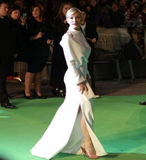 Cate-Blanchett-Wows-In-Givenchy-At-The-Royal-Premiere-Of-The-Hobbit