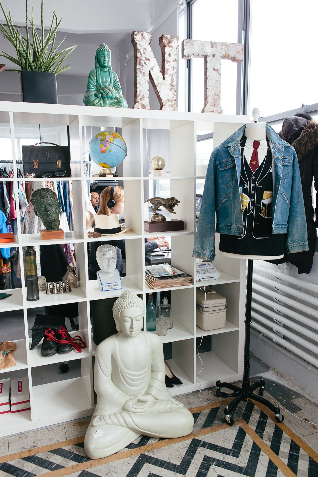 nifty thrifty office tour online thrift shopping where do you see niftythrifty in the next year three years five years what are your goals tl we feel as if we re at the cutting edge of a very rapidly