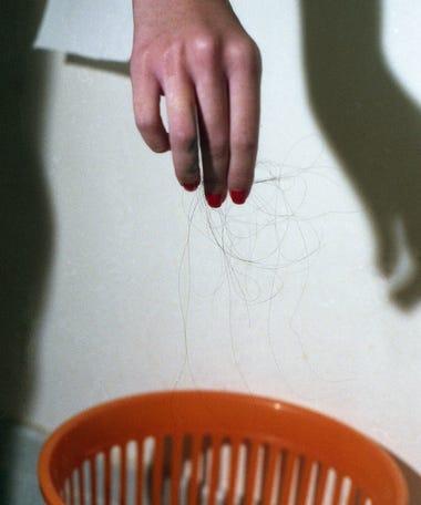 Haare brechen mittig ab