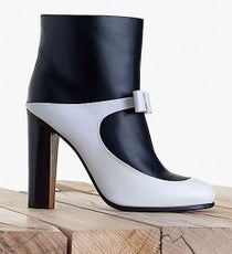 Celine_bow-classic-boot-shiny-calfskin-b_w-460