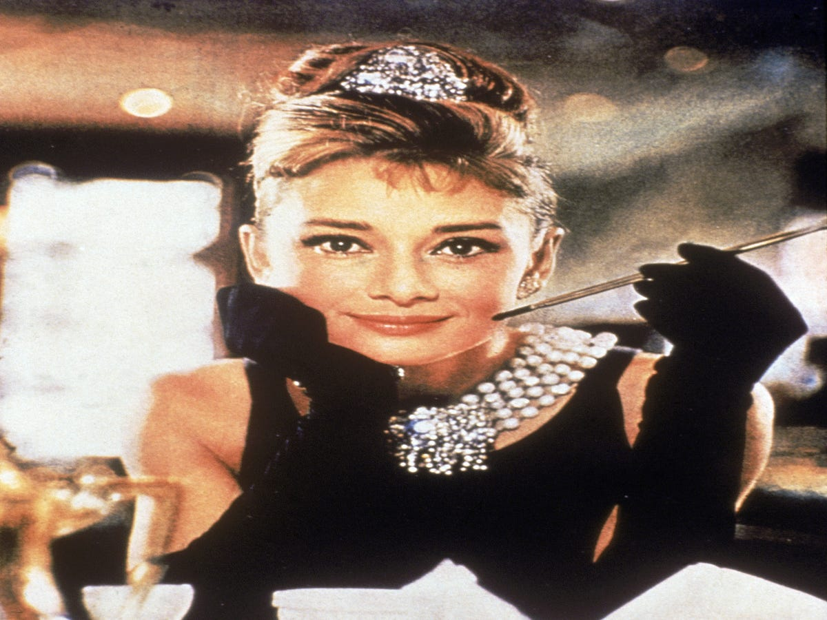 30 Photos Of Audrey Hepburn That Are The Epitome Of Old-School Movie Star Glamour