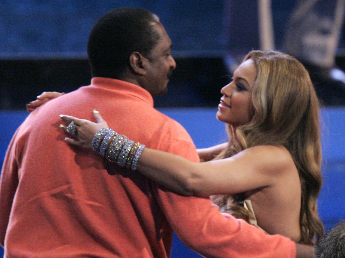 Beyoncé's Dad Announces Arrival Of Twins