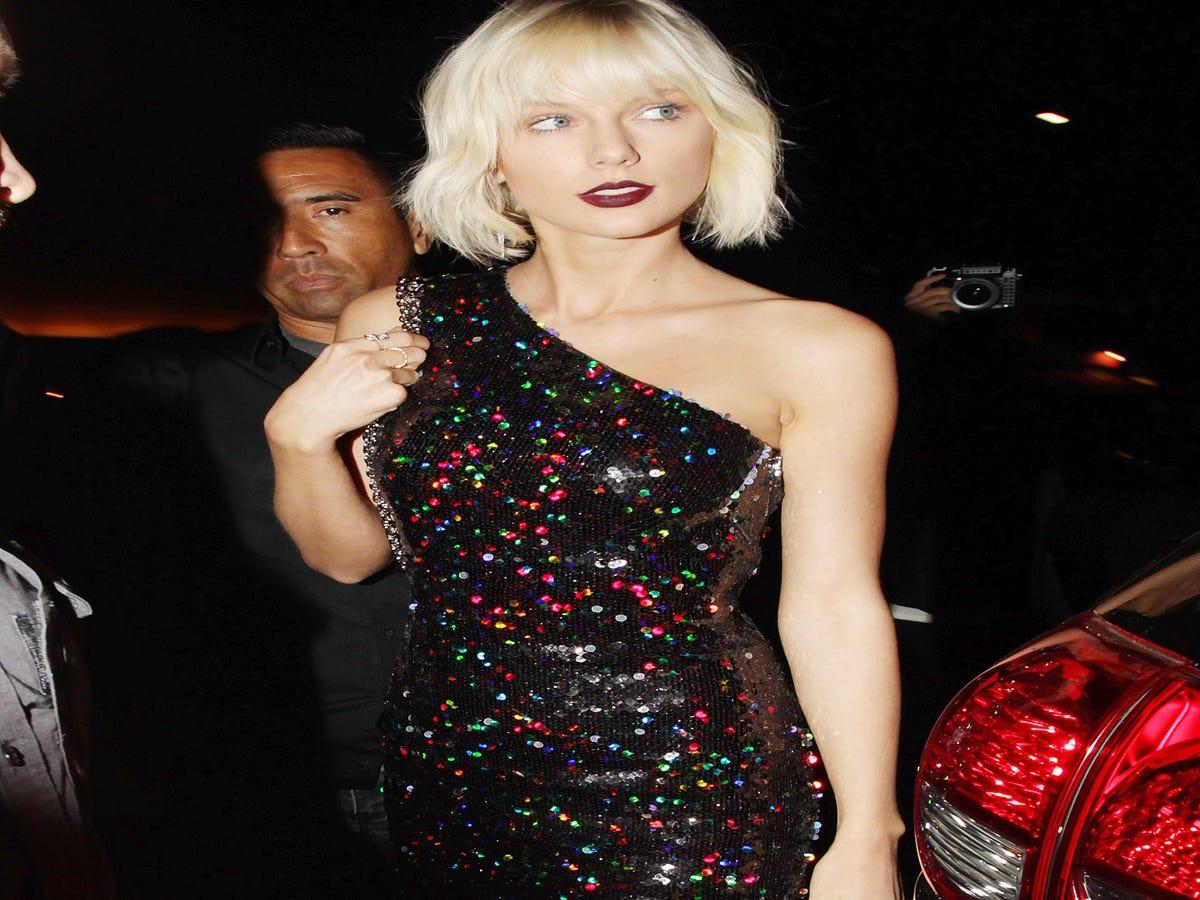 Unbreakable Kimmy Schmidt Writers Say They Weren t Making A Taylor Swift Joke