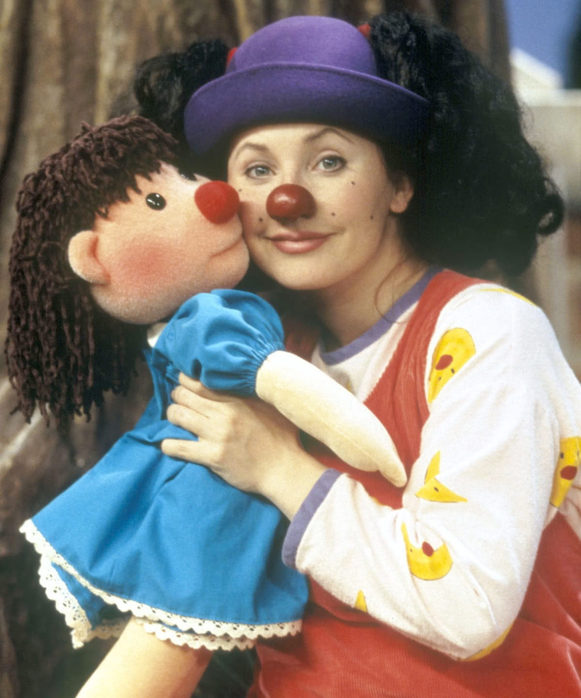 Comfy Couch ComLoonette The Clown On The Big Comfy Couch Memba Her Tmz