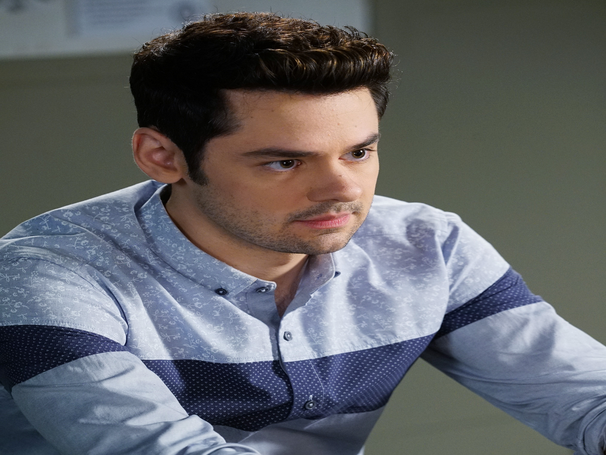 Who Is Uber A On Pretty Little Liars? Brendan Robinson Spilled Spoilers