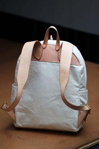 VIDA Tote Bag - Bunny Kay Berryman by VIDA JMg5OFuY