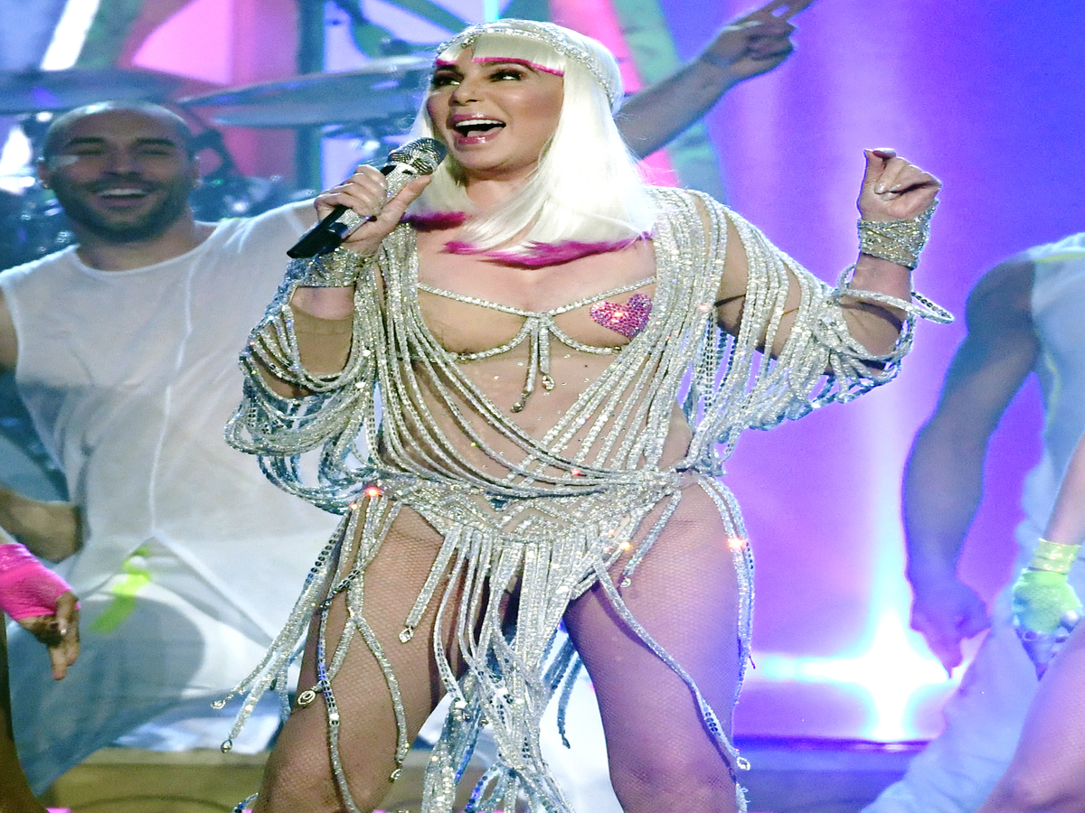 Twitter Is Confused & Enthralled By Cher's Right Breast At The BBMAs