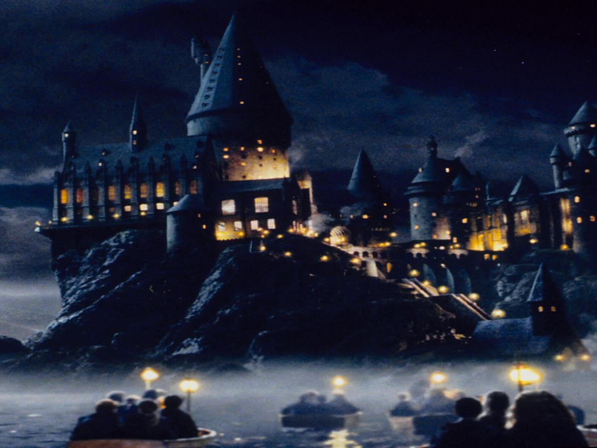 I Took the Digital Tour Of Hogwarts & I've Never Felt Less Like A Witch