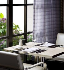 Adour-Dining-Room-Window-Detailmain