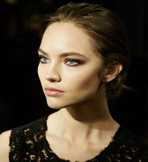 red-eyeshadow-opener