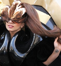 20121005-lady-gaga-picture-x600-1349448816