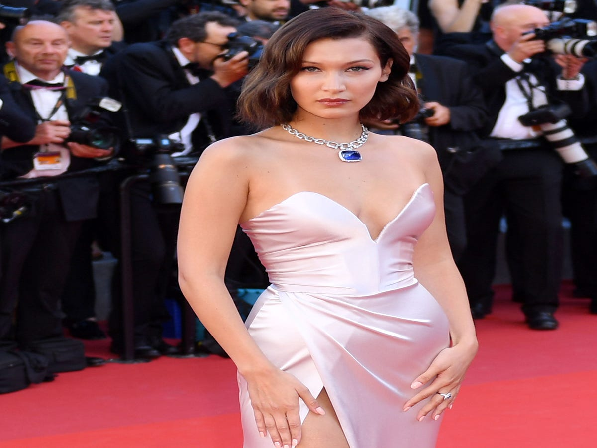 Bella Hadid Flawlessly Handles A Wardrobe Malfunction At Cannes