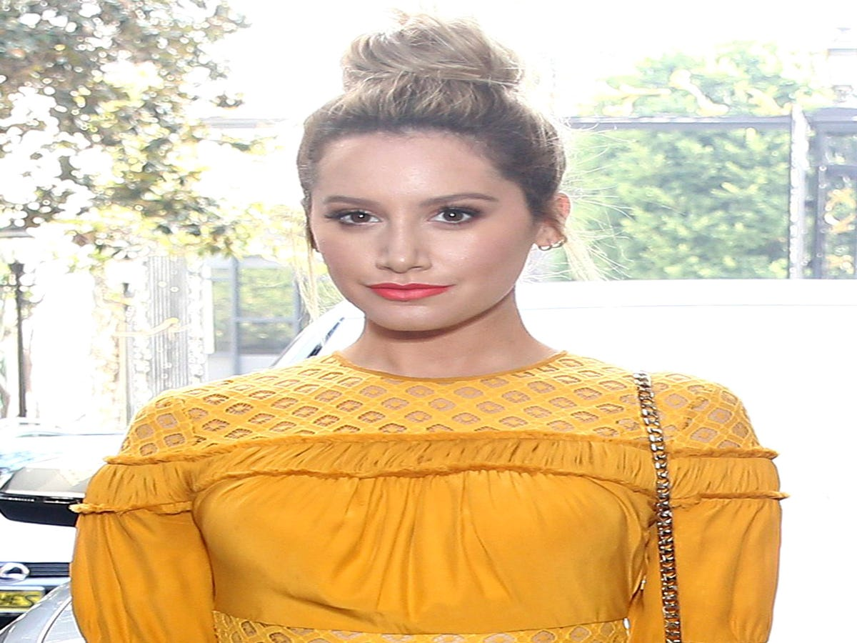 Ashley Tisdale Cringes When She Remembers This Red Carpet Look