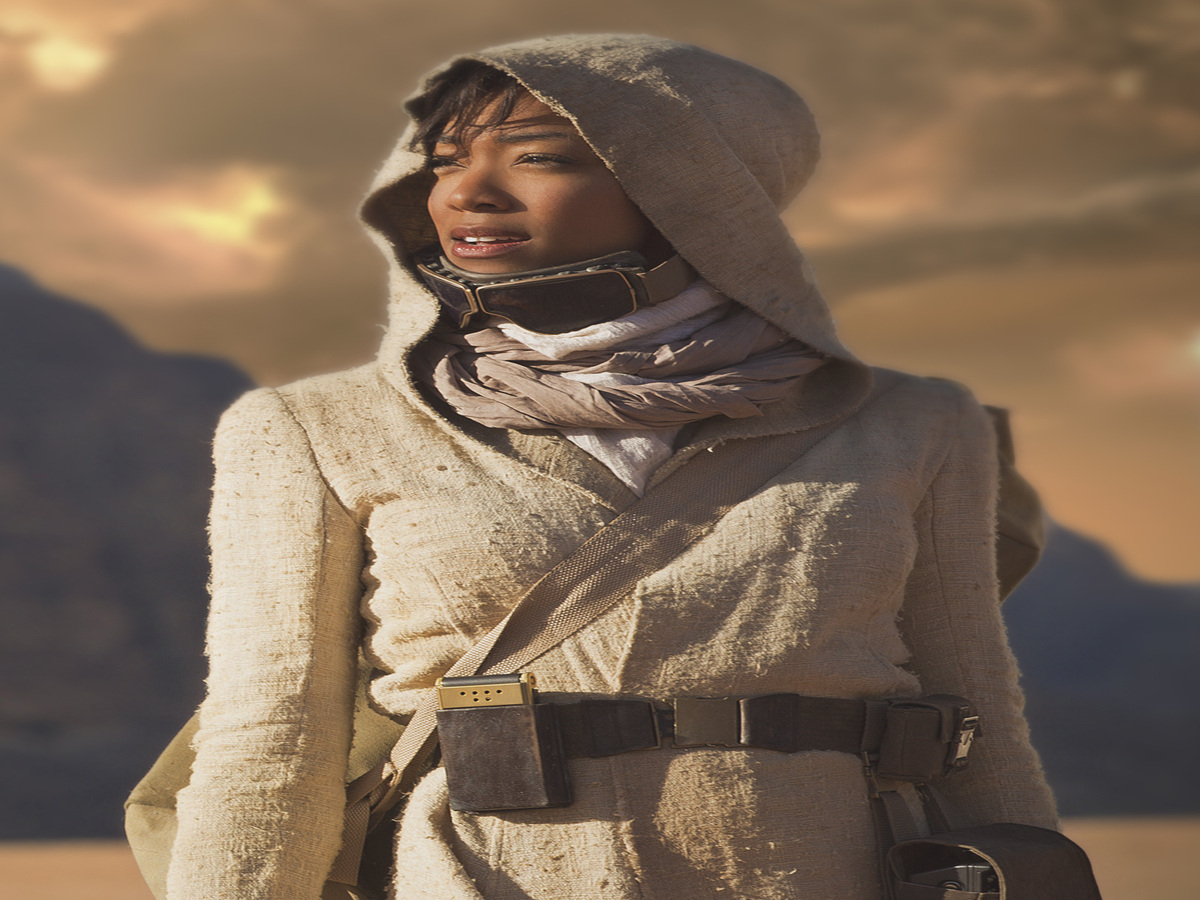 """Star Trek's Sonequa Martin-Green Responds To Racist Accusations That The Show Promotes """"White Genocide"""""""