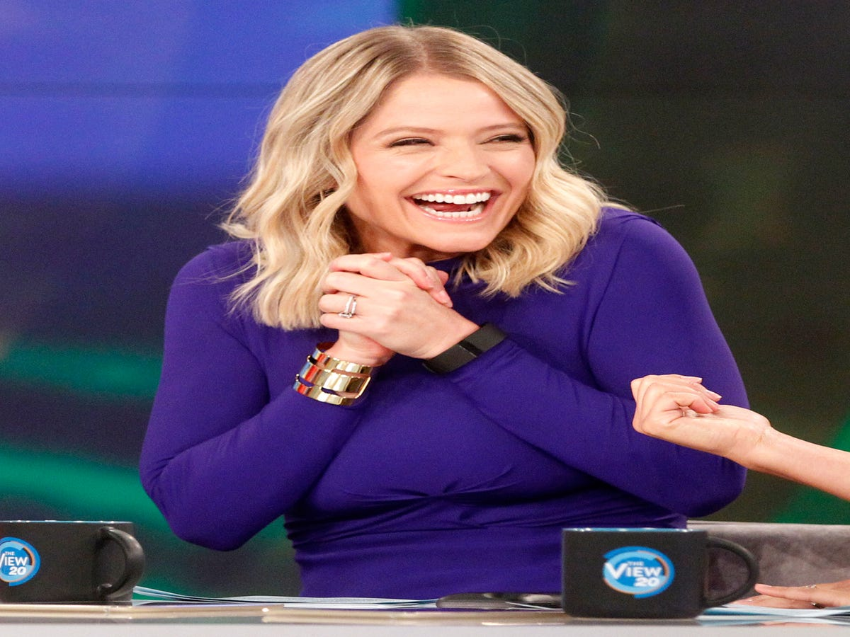 Sara Haines Tells Us What It s REALLY Like To Co-Host The View