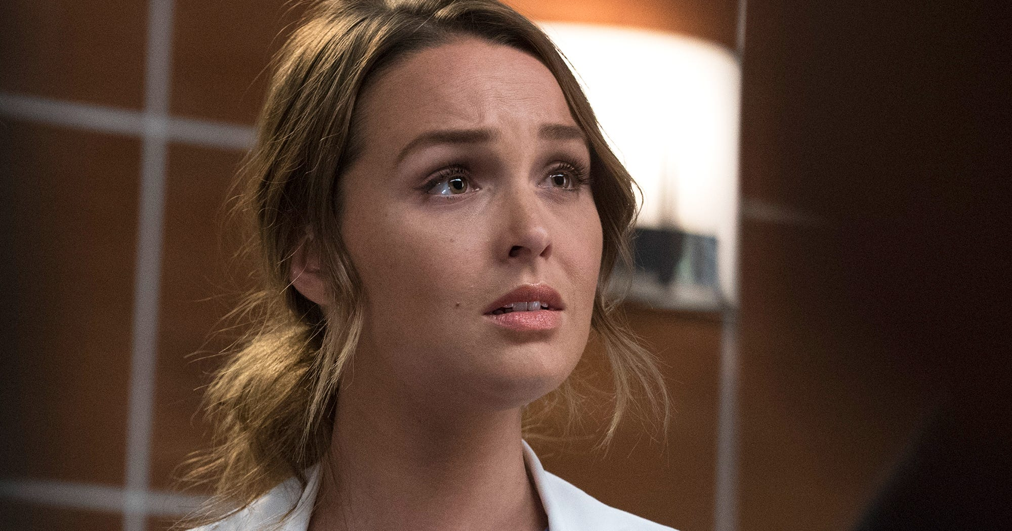 "Jo Wilson Crying After Seeing Her Ex In New ""Grey's Anatomy"" Teaser Is More Than Anyone Can Handle"