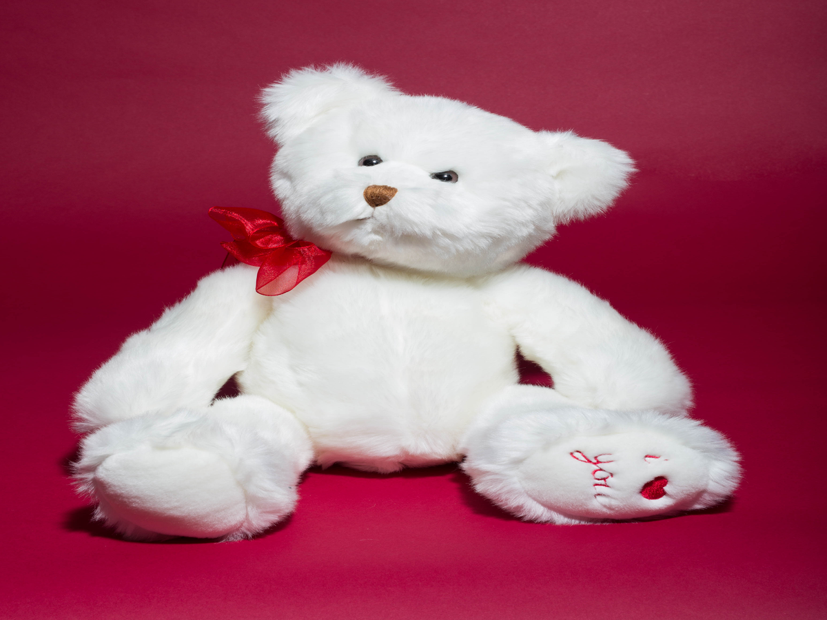 The Most Googled Valentine s Day Gifts Are So Unoriginal It Hurts