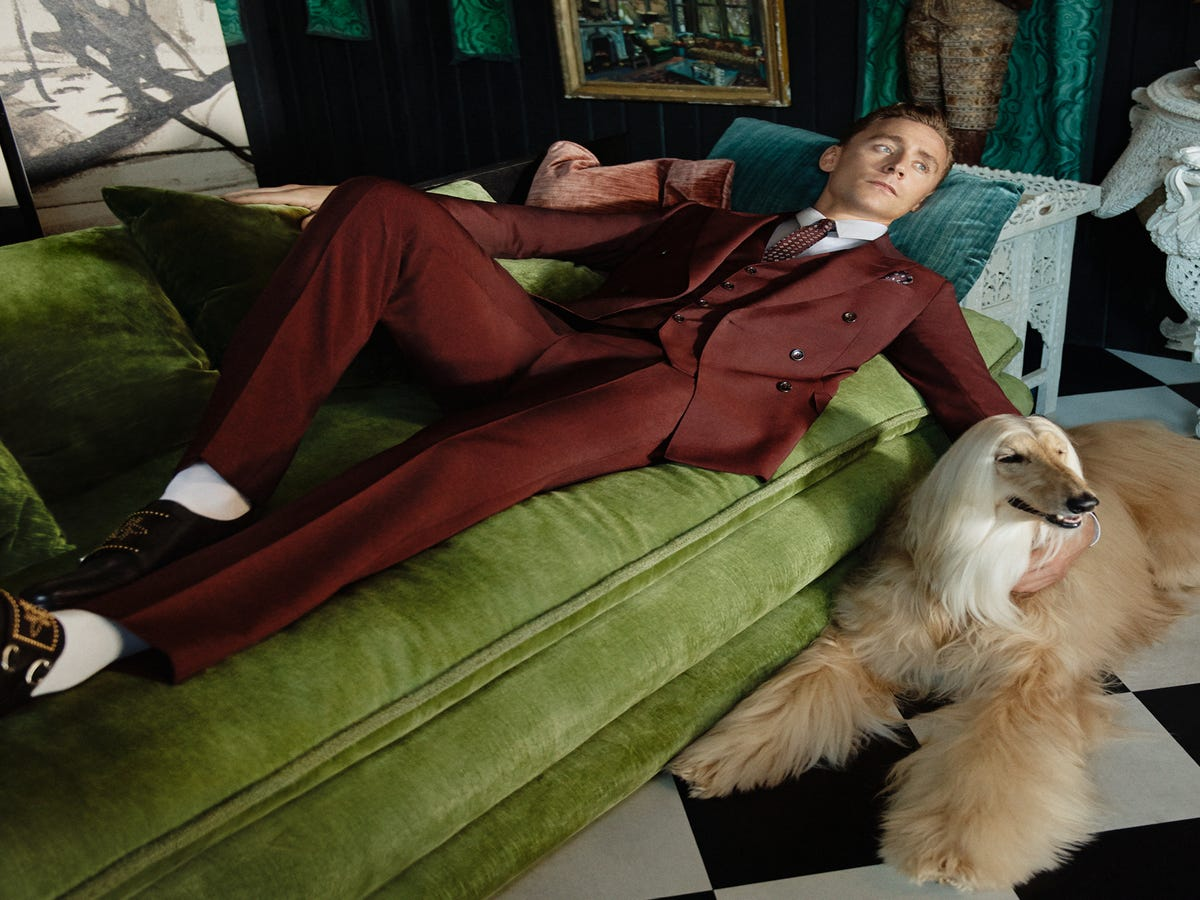 Here Are Some Photos Of Tom Hiddleston Wearing Gucci, Hanging Out With Dogs