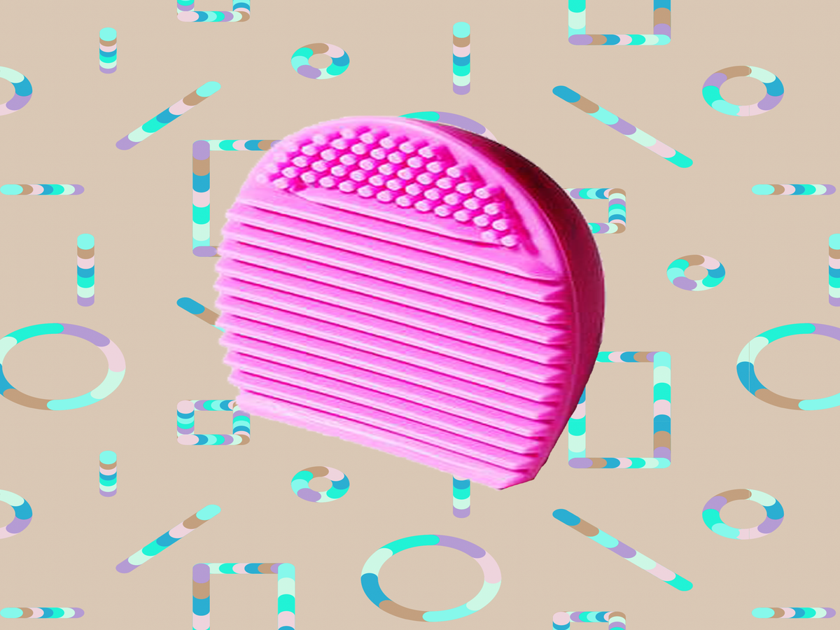 This $1 Brush Cleanser Is A Complete Game-Changer