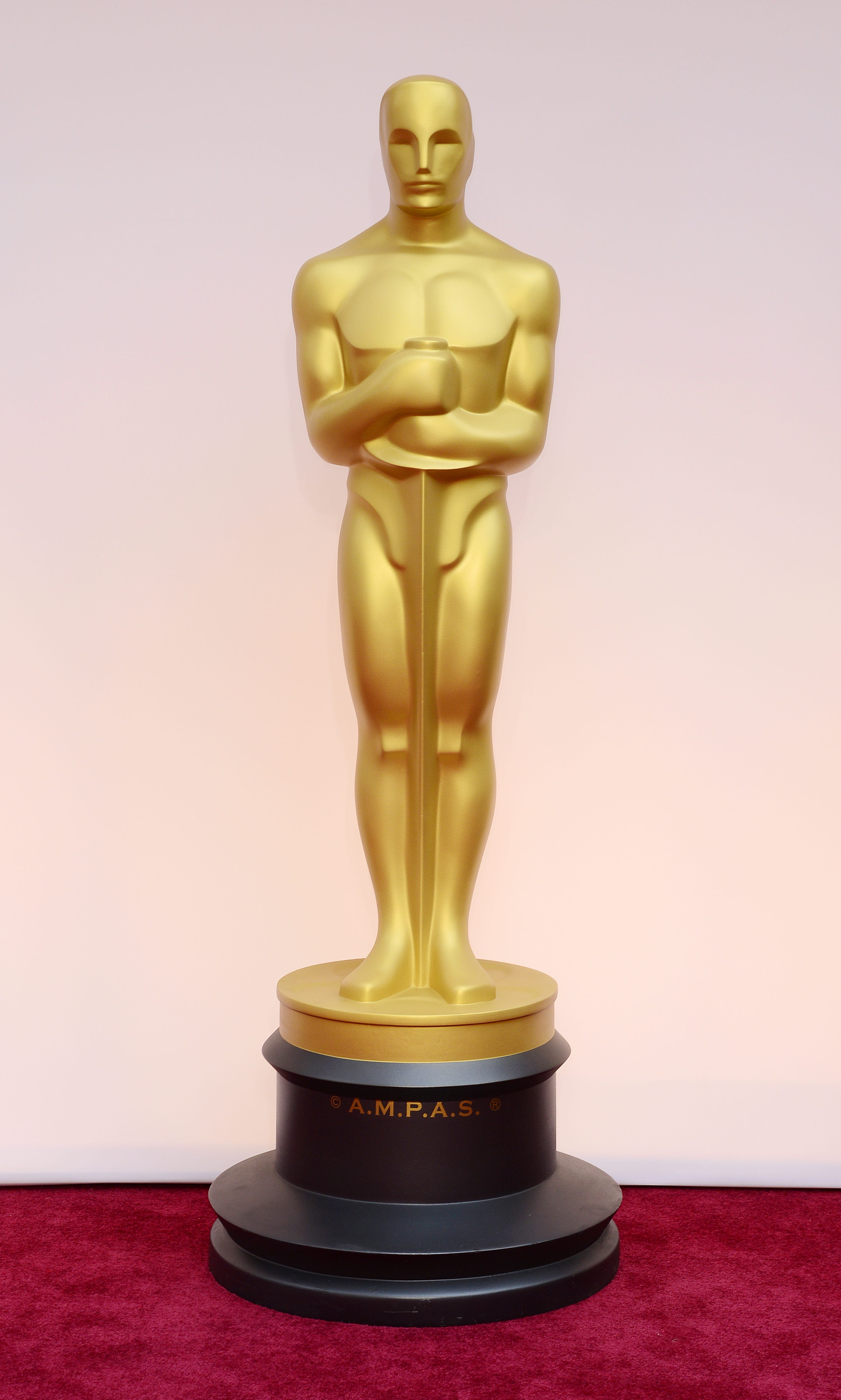 Oscar Statue Cost Weight The Oscars