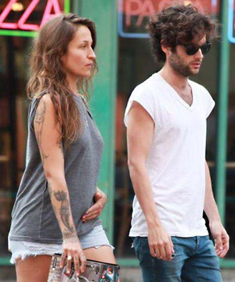 Penn Badgley Domino Kirke