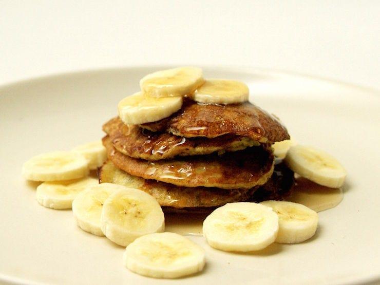 Banana pancakes recipe video easy healthy breakfast banana ccuart Image collections