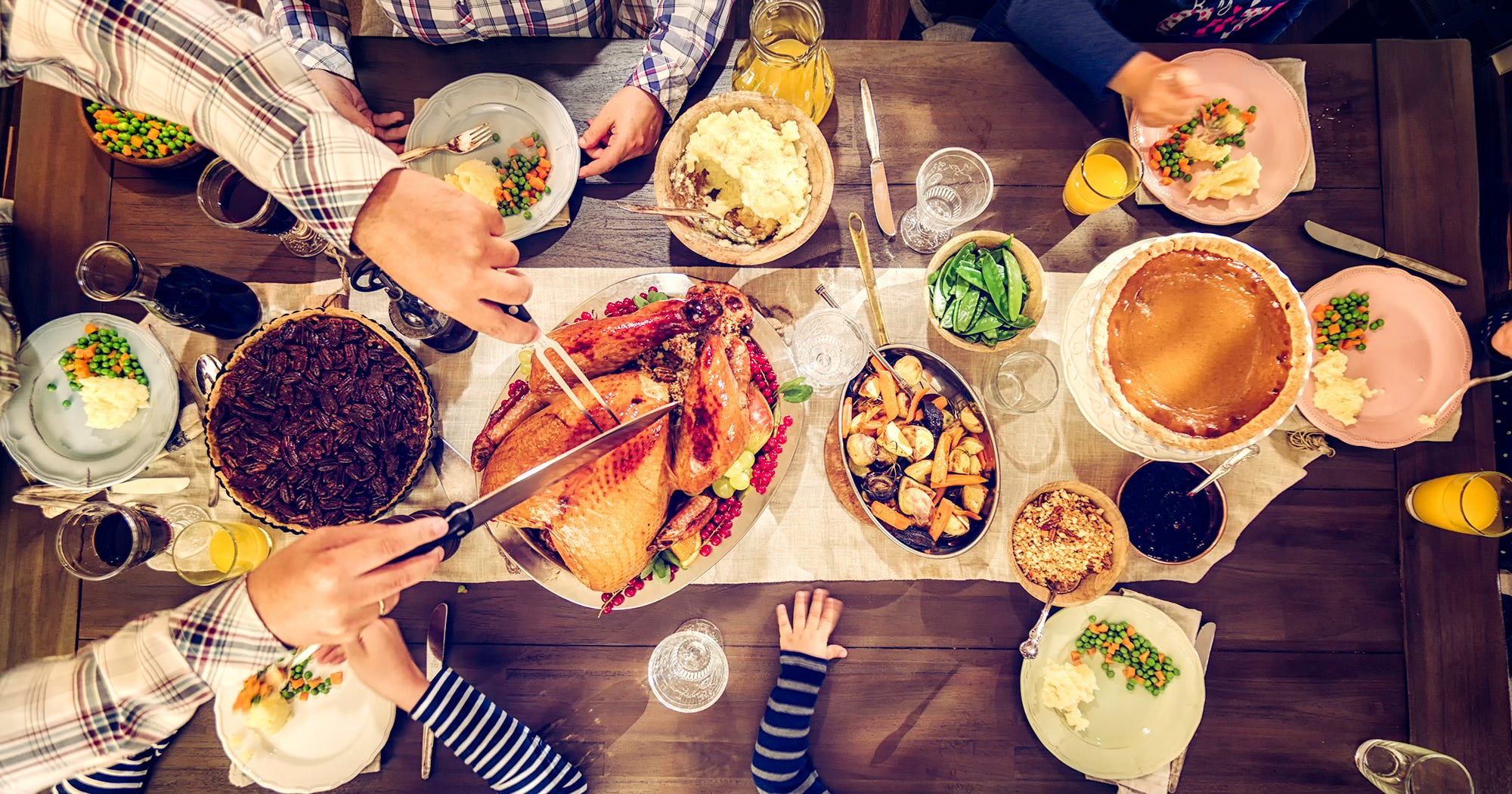 Best thanksgiving dinner restaurants open holiday 2017 for Fast food places open on christmas day