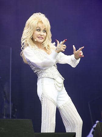 Dolly Parton Rapped About Mud At Glastonbury
