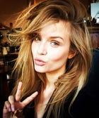 How To Selfie Like A Supermodel