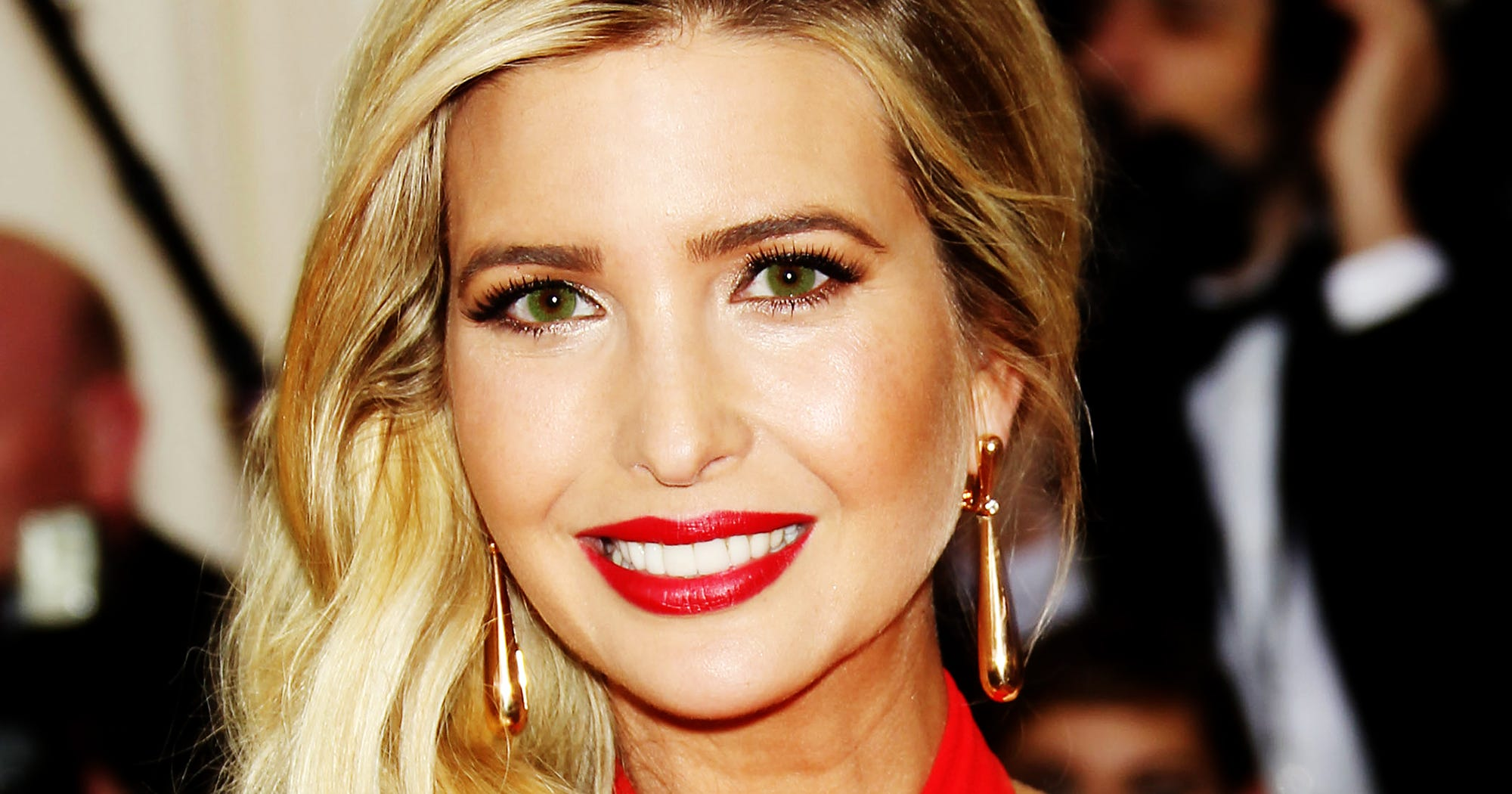 Ivanka Trump Colored Contacts Changing Eye Color Risks