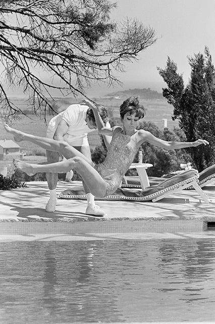 Best Flattering Summertime Bathing Costumes