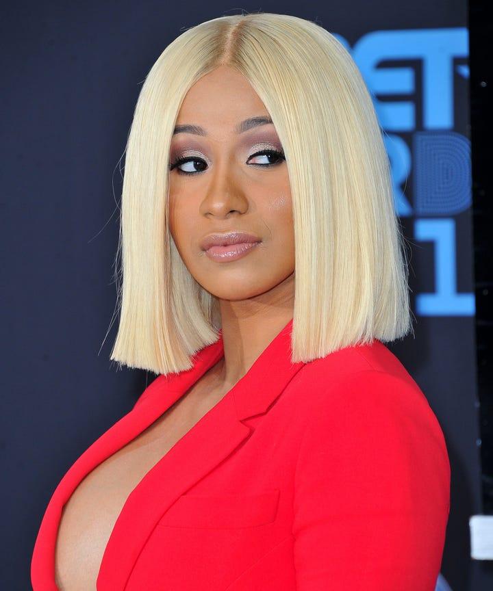 Cardi B Blue Hair: Cardi B New Blonde Hair, Beauty Makeup Evolution