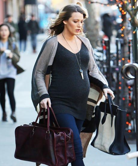 blake lively stiletto pregnancy outfit