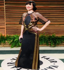 Karen O not only mastered the red carpet last night, but she also slayed us with her Oscars performance and then finished it off with this stunning dress to party the night away. We knew Karen was the queen of the stage costume, but this takes things to a new, exciting level.