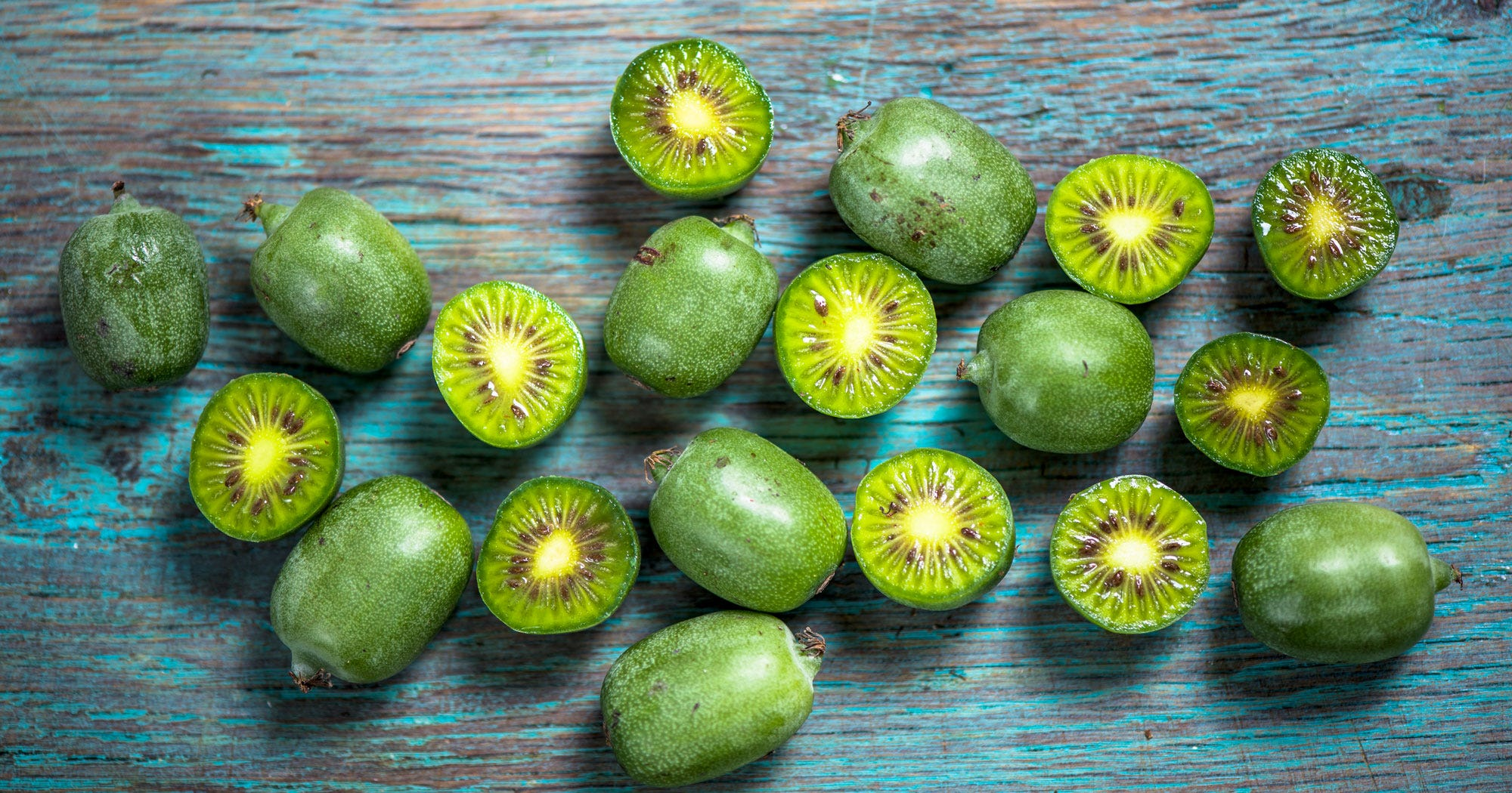 mini kiwi berries superfood. Black Bedroom Furniture Sets. Home Design Ideas