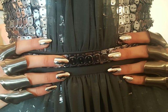Gigi Hadid $2000 Manicure, Met Gala Pictures