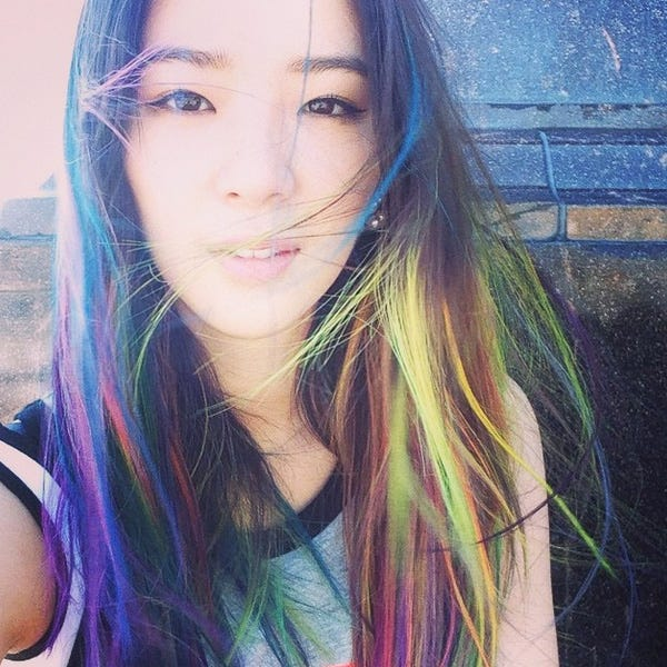 irene kim instagram model with pastel hair