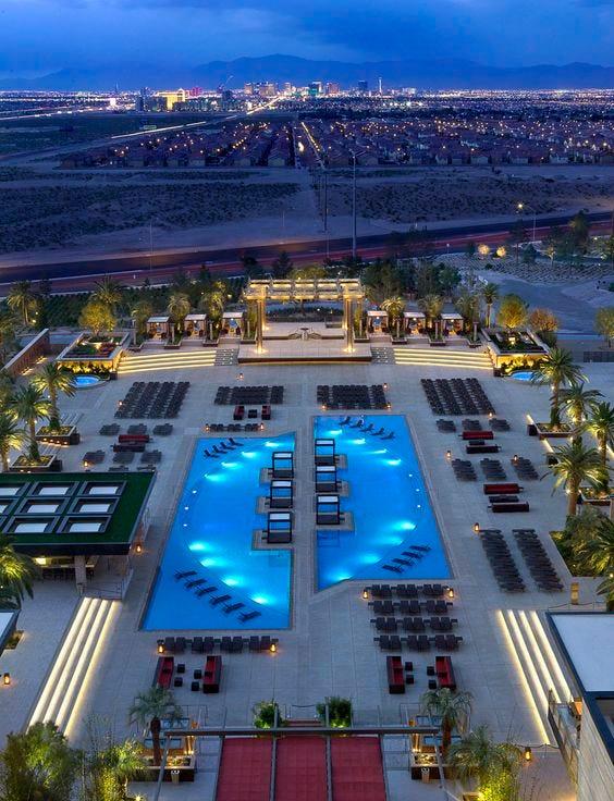 Vegas Vacation 1997 Pool Scene: Pool Parties Sin City
