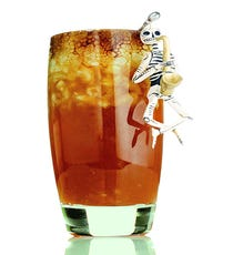 Los Muertos Created by Raul Yrastorza, Las Perlas, Los Angeles Ingredients:   2 oz Espolón Tequila Reposado 1 oz fresh lime juice ½ oz apple cider vinegar shrub ½ oz Cardamaro Amaro 1 bar spoon of apple butter-infused agave nectar 4 muddled apple chunks Apple cider foam, for garnish Blackstrap molasses, for garnish Muddle apple chunks in bottom of a mixing glass. Shake all ingredients together with ice and double strain in a rocks glass over ice. Top with apple cider foam and drizzle with blackstrap molasses.