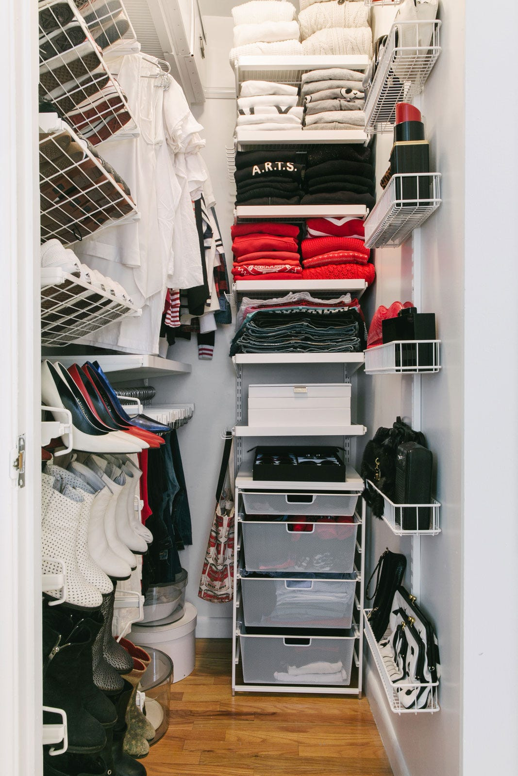 Small walk in closet organization tips - Closet storage ideas small spaces model ...