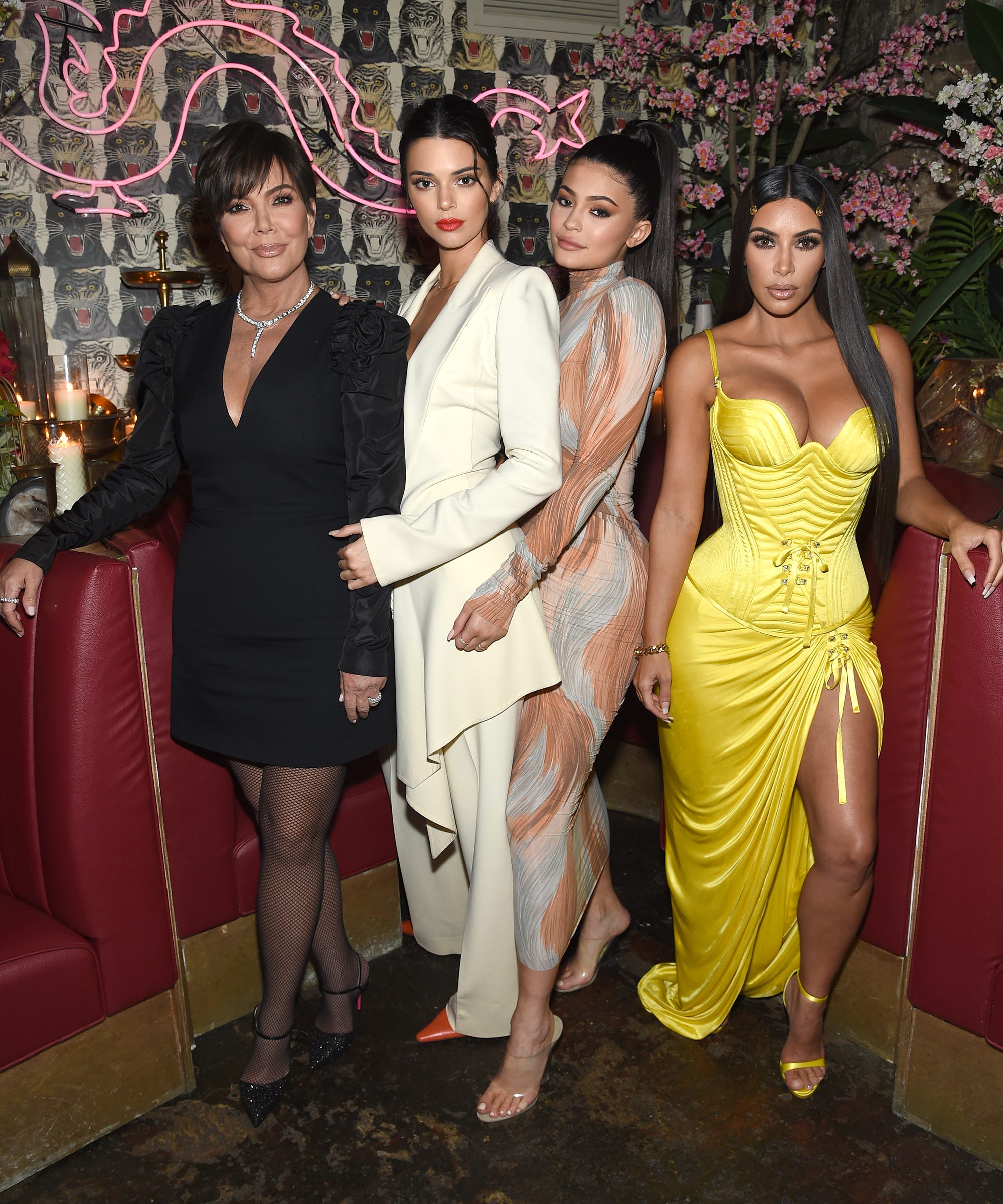 e18c271e3b7f62 Kardashian Net Worth 2019 Kim, Kourtney, Kylie Jenner