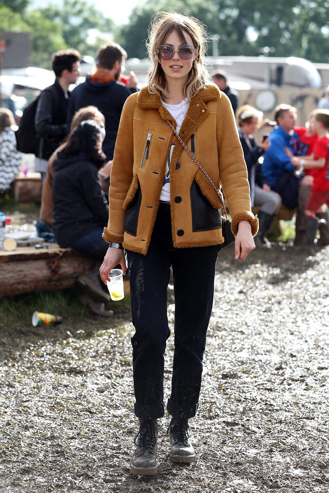 Glastonbury Music Festival 2016 Street Style Photos ee41dadeb2