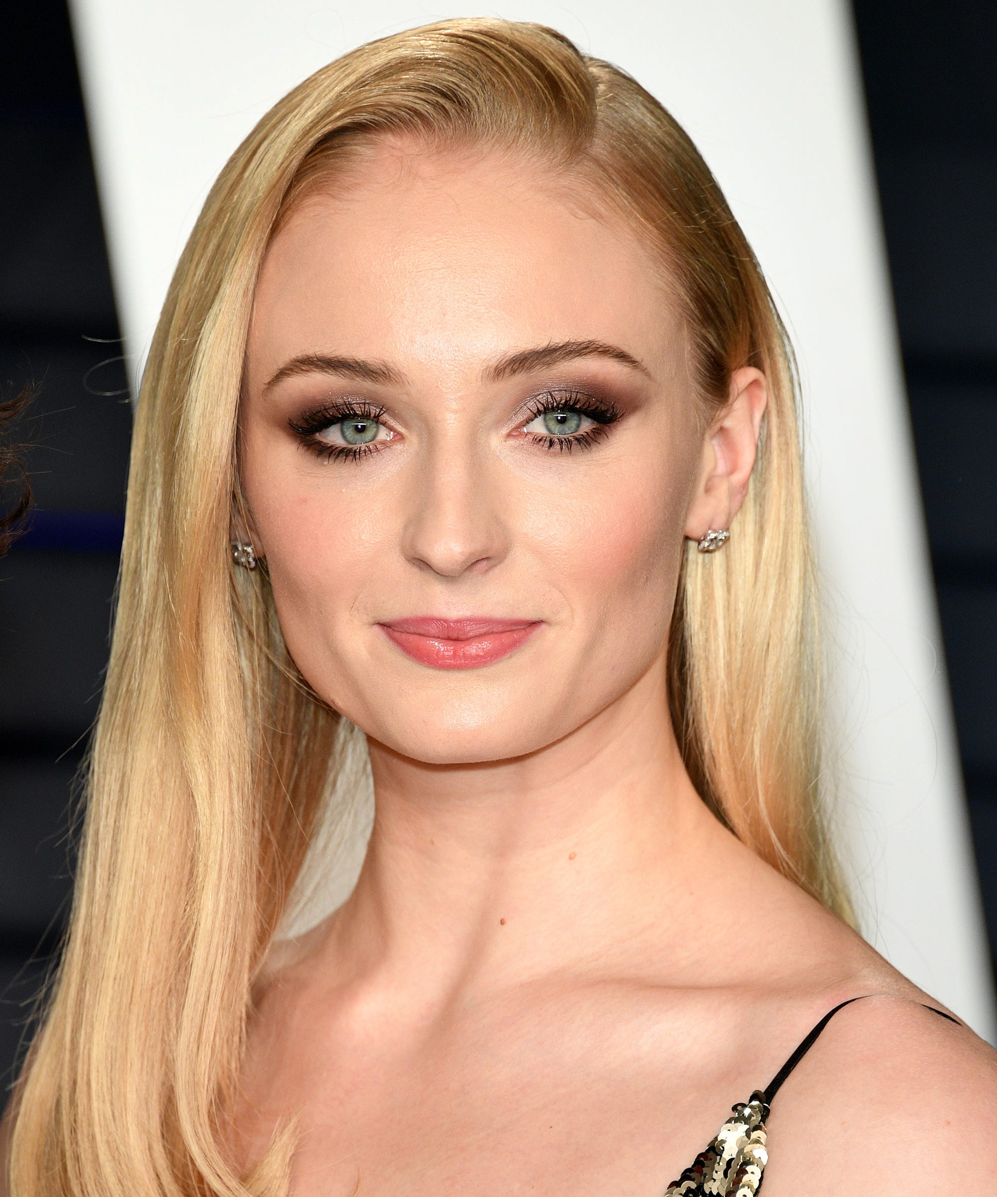 4b4880817beb8 Sophie Turner Has Upgraded Her Beauty Look   You ve Hardly Noticed