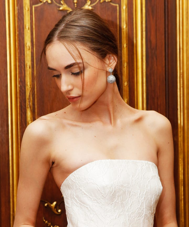 Chic Wedding Hairstyles For Short Hair To Go Up Or Down