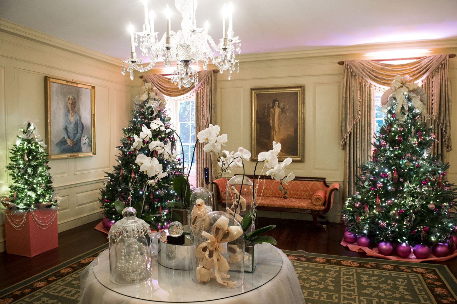 obama last christmas white house holiday decorations