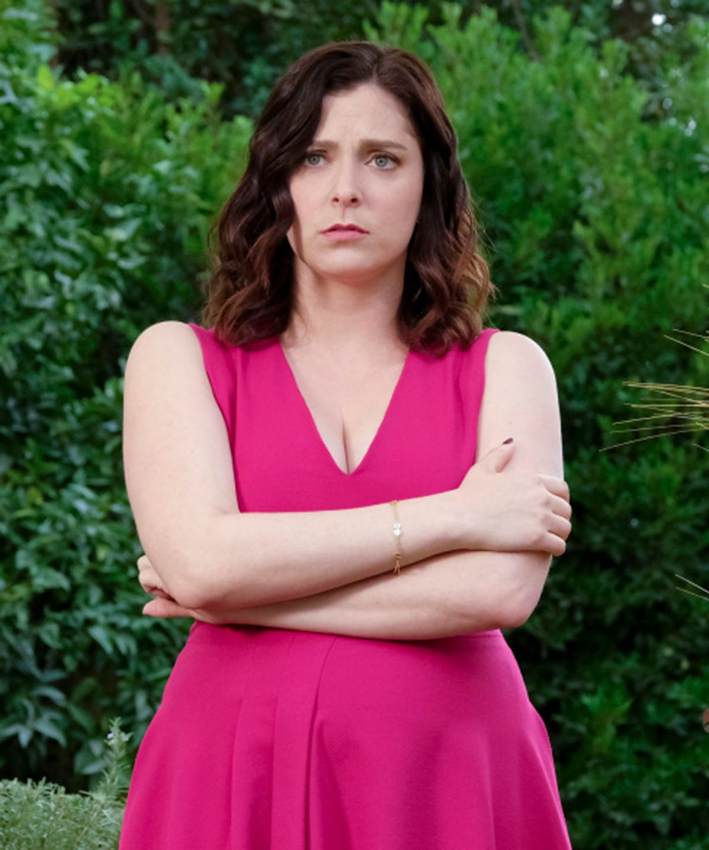Crazy Ex-Girlfriend Season 3 Tackles Mental Health